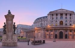 بنك إنجلترا يثبت معدل الفائدة رغم الآفاق الضعيفة للاقتصاد