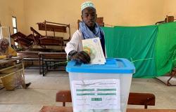 موريتانيا... استدعاء عاجل لمرشحي الرئاسة الخاسرين بعد اندلاع احتجاجات