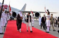 تصريحات مثيرة من عمران خان عقب مغادرة أمير قطر