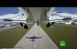 شاهد أول هبوط  آلي لطائرة