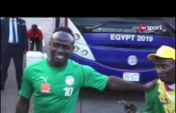 تعليق عماد متعب و عبد الظاهر السقا على لقطات ماني مع المشجع السنغالي الشهير