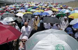 الحجاج يعودون إلى مكة لطواف الوداع دون حوادث