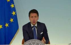 رئيس وزراء إيطاليا يعلن الاستقالة من منصبه