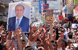 ضاحي خلفان: الوقوف مع هادي وقوف مع من لا يليق بحكم اليمن