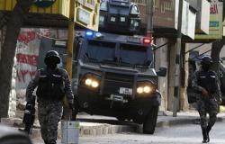 الأردن.. محتجون في مدينة الرمثا يحرقون آلية تابعة لقوات الشرطة
