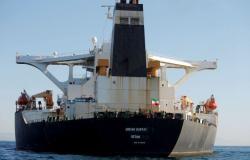 وكالة: صور الأقمار الصناعية تظهر ناقلة النفط الإيرانية قرب ميناء طرطوس السوري
