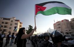 تواصل إضرابات المعلمين الإردنيين وخلو ساحات مدارس من الطلبة... فيديو