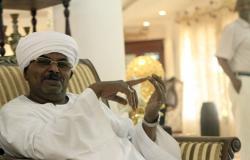 إصدار أمر قبض ضد مدير جهاز الأمن السابق صلاح قوش