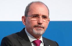 """الصفدي يبحث مع المنسق الأممي موقف دولي حيال """"انتهاكات إسرائيل"""" ضد الفلسطينيين"""