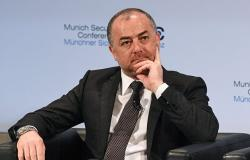 وزير الدفاع اللبناني في دولة أوروبية لبحث دعم الجيش اللبناني