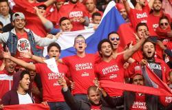 فضيحة لمنتخب تونس بالفيديو... اللاعبون سرقوا الأحذية