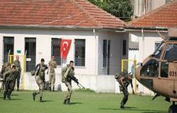 """وحدات """"كوماندوز"""" تركية تتجه نحو الحدود السورية"""