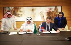 بالصور.. وزير الطاقة السعودي يوقع بروتوكول تعاون مع نظيره الروسي