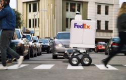 فيديكس تكشف عن روبوت تسليم الطرود Roxo في الإمارات