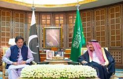 الملك سلمان يبحث مع رئيس وزراء باكستان مستجدات الأوضاع الإقليمية