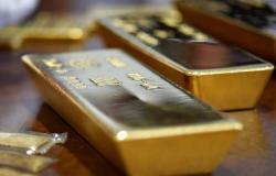 أسعار الذهب تتراجع 6 دولارات لكن تتجه لتسجيل مكاسب أسبوعية
