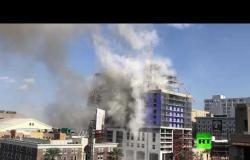 تفجير رافعتين ملاصقتين لفندق منهار