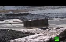 اللقطات الأولي لانهيار سد بإقليم كراسنويارسك في روسيا