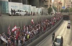 ساحة مقابل أخرى.. الشارع يضغط وعون يحشد أنصاره