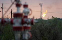 محدث.. أسعار النفط ترتفع عند التسوية للمرة الأولى بـ3 جلسات