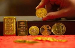 محدث.. الذهب يربح 9 دولارات ليرتفع لأول مرة بـ5 جلسات