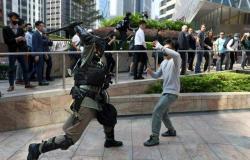 الأسهم في هونج كونج تواصل الخسائر مع تصعيد الاحتجاجات الشعبية