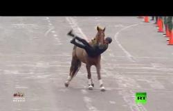 عروض فاشلة بالخيول في عرض عسكري