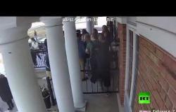 طالبة مسلمة تفتح أبواب المسجد لإنقاذ زملائها