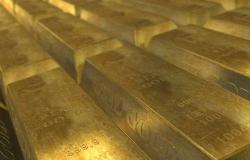 محدث.. أسعار الذهب ترتفع 10 دولارات عند التسوية