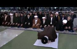 """روحاني يغادر قبل أن ينهي المرشد الصلاة """"فيديو"""""""