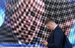 """قريبًا.. روسيا تفرض بيع الهواتف التي تعزز """"القيم الروسية"""""""