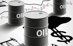 محدث.. أسعار النفط تُعمق خسائرها لـ3% مع القلق بشأن الطلب