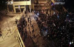 بالفيديو : اشتباكات قرب السراي الحكومي ببيروت.. والأمن يطلق الغاز