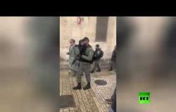 إطلاق النار على شاب فلسطيني بذريعة طعن عند باب الأسباط في القدس