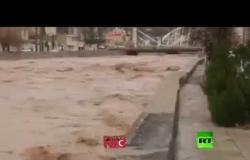 تحذيرات من فيضانات نتيجة الأمطار الغزيرة في إيران