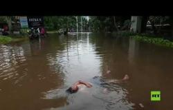 فيضانات تجتاح عاصمة إندونيسيا