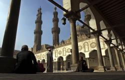 """الأزهر يعلق على قرار السعودية بوقف العمرة بسبب """"كورونا"""""""