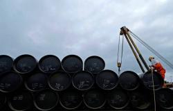 المنصات الأمريكية للتنقيب عن النفط تتراجع لأول مرة بـ4 أسابيع