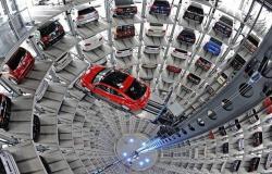 مسح: مبيعات السيارات العالمية قد تتراجع بوتيرة تتجاوز أزمة 2008