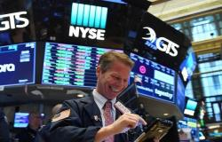 محدث.. الأسهم الأمريكية تسجل أول ارتفاع لجلستين متتاليتين منذ فبراير