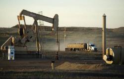 إنتاج النفط الأمريكي يستقر قرب أعلى مستوى بتاريخه