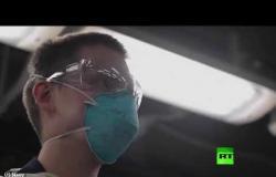 بحارة يخضعون لاختبار فيروس كورونا على متن حاملة الطائرات الأمريكية
