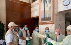 الجوازات السعودية تبدأ في إجراءات سفر المعتمرين المتأخرين عن المغادرة
