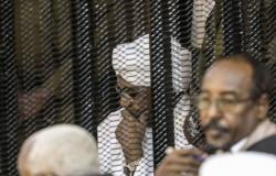 محكمة سودانية ترفض طلب البشير وتؤيد إيداعه في مؤسسة إصلاحية لإدانته بالفساد