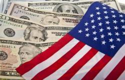 ائتمان المستهلكين الأمريكيين يتراجع لأول مرة منذ 2011