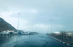 بالفيديو.. هطول أمطار خفيفة على أحياء شرق مكة المكرمة