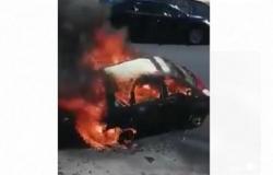 بالفيديو : احتراق مركبة بشكل كامل في عبدون بعمان
