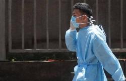"""مصر تسجل 1057 إصابة جديدة بـ""""كورونا"""" و67 حالة وفاة"""