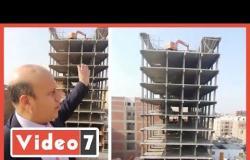 شاهد إزالة أعلي برج مخالف 18 دور في حي عين شمس