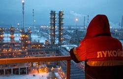 """بتقليص تخفيضات """"أوبك+"""".. روسيا ترفع إنتاجها من النفط"""